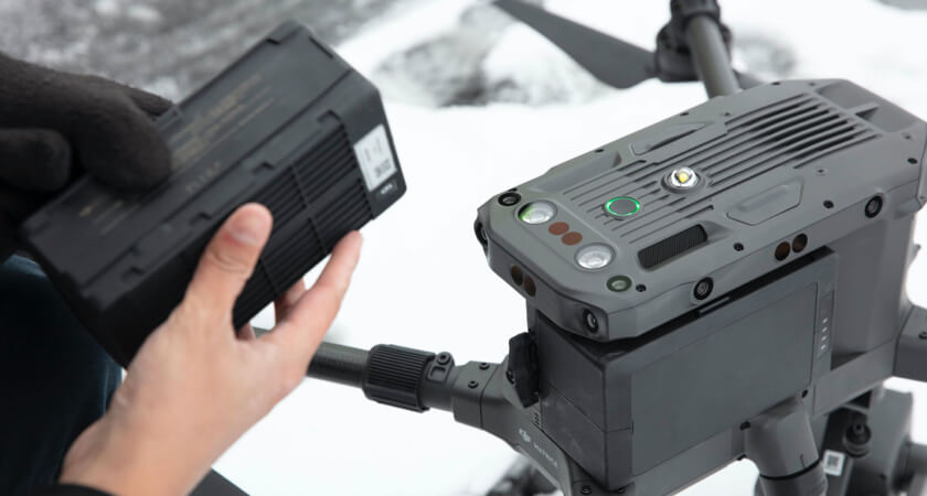 Winter M300 Battery Swap