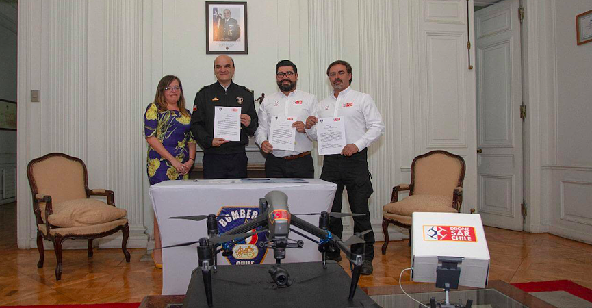 DroneSAR Chile signing agreement with National Fire Board